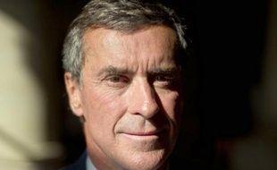 """Le président PS de la commission des Finances de l'Assemblée nationale, Jérôme Cahuzac a dit craindre que la réforme fiscale promise par le gouvernement ne """"soit en fait qu'une réformette"""" uniquement destinée à supprimer le bouclier fiscal, et l'impôt sur la fortune (ISF)."""
