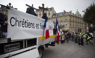 L'association catholique intégriste Civitas lors d'une manifestation a Paris contre la christianophobie. Photo / V. Wartner / 20 Minutes