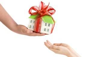 La donation avec réserve d'usufruit permet de transmettre son patrimoine par avance, sans se dépouiller.
