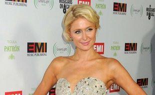 Paris Hilton à la soirée organisée par EMI le jour des Grammy Awards, le 12 février 2012, à Hollywood.