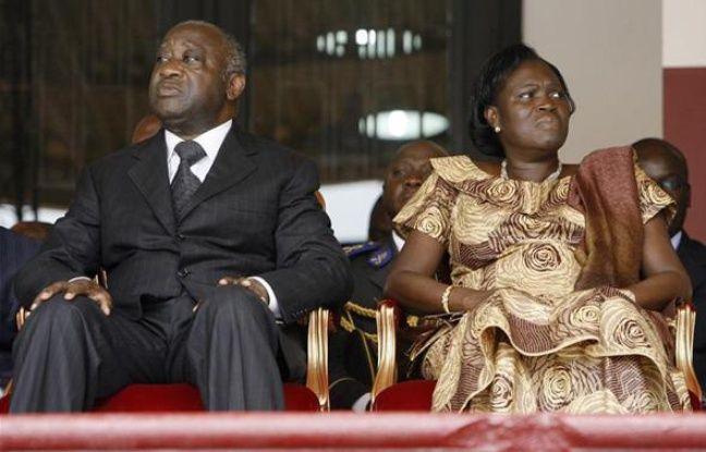 Laurent et Simone Gbagbo, lors d'une cérémonie commémorative au stade Félix-Houphouët-Boigny à Abidjan (Côte d'Ivoire), le 1er avril 2009.
