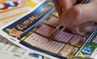 Lille, le 9 avril 2012. Illustration Loto - Euromillions, fdj, franaise des jeux.