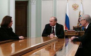 Les milieux économiques accueillaient mercredi avec un certain malaise la nomination à la tête de la banque centrale de Russie d'Elvira Nabioullina, craignant que la proximité de cette économiste reconnue avec le Kremlin n'entame l'indépendance de cette institution respectée.