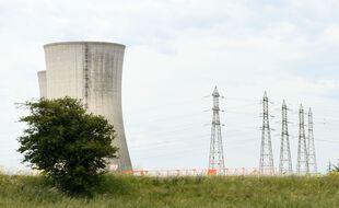 la centrale nucleaire le TRICASTIN dans la drome