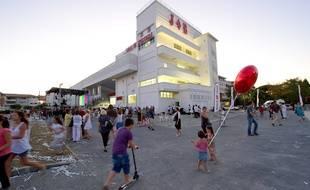 Les habitants voudrait que la station soit implantée près du fameux bâtiment Job, centre névralgique du quartier.