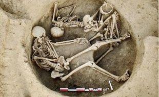 Les archéologues ont mis au jour des sépultures multiples.