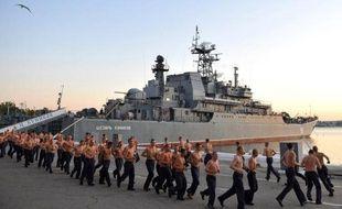 La Russie se prépare à envoyer deux navires de guerre amphibies vers le port de Tartous en Syrie, seule base navale russe en Méditerranée, a indiqué lundi une source au sein de l'état-major de la marine russe, citée par l'agence Interfax.