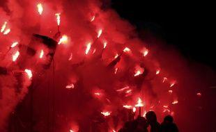 Des dizaines de fumigènes avaient été sortis par les supporters de l'OL, le 17 décembre face à Marseille.