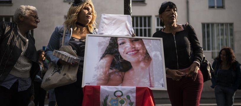 Lors d'une marche en hommage à Vanesa Campos, le 28 août 2018