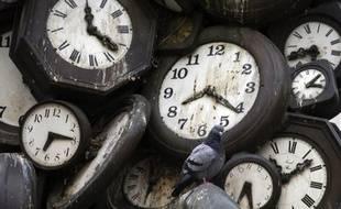 Cinquante scientifiques du monde entier se réunissent jeudi et vendredi à huis clos dans un cadre champêtre au nord-ouest de Londres sous l'égide de la prestigieuse Royal Society pour débattre d'une nouvelle définition du temps, qui reléguerait l'heure GMT aux oubliettes.