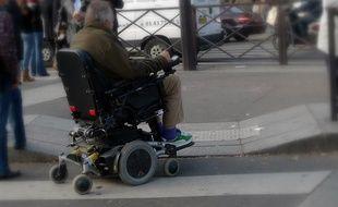 I Wheel Share permettra par exemple de signaler les aménagements urbains défaillants.