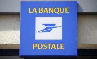 La Poste doit approuver début juillet une augmentation de capital d'un milliard d'euros de sa filiale bancaire, la Banque Postale, rapportent Les Echos mardi soir sur leur site internet.