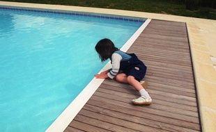 Quatre dispositifs de sécurité des piscines ont été prévus par décret afin de protéger les enfants de moins de cinq ans.