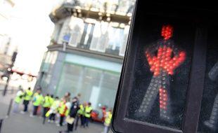 Les piétons sont-ils encore rois sur les trottoirs parisiens?