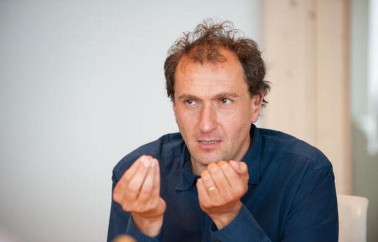 Vincent Feltesse, dans son bureau de président de la communauté urbaine de Bordeaux, le 4 juillet 2012