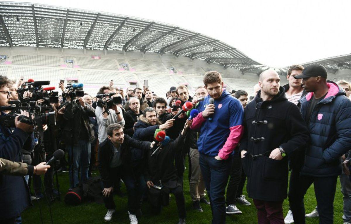 Les joueurs du Stade Français ont décidé de faire grève pour protester contre la fusion avec le Racing 92, le 14 mars 2017.  – CHRISTOPHE SIMON / AFP