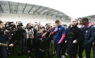 Les joueurs du Stade Français ont décidé de faire grève pour protester contre la fusion avec le Racing 92, le 14 mars 2017.