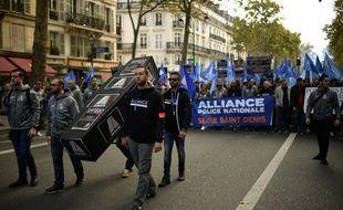 Entre 22 et 29.000 policiers ont manifesté ce mercredi à Paris selon les organisateurs