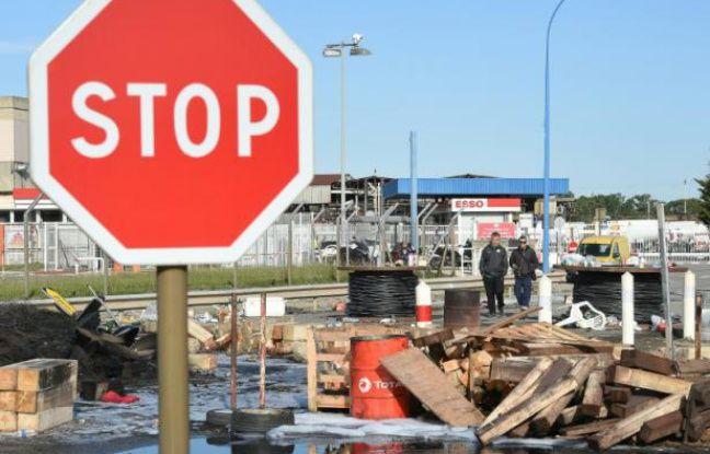 Le site pétrolier de Fos-sur-Mer après son déblocage le 24 mai 2016 par les forces de l'ordre