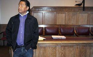 Robert Le Dinh, gourou accusé de viols et agressions sexuelles à la salle d'audience de Foix le 10 semptembre 2010.