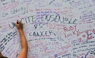 Campagne d'information et de sensibilisation contre le cancer du sein.