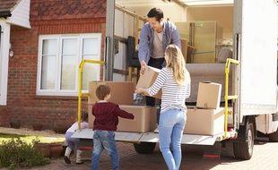 Des aides publiques prennent en charge les frais de déménagement des ménages, sous conditions.