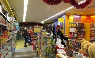 Dans le magasin La grande récré de Saint-Lazare, le 04/12/2015 pendant les courses de Noël.