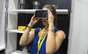 Une application Smartphone associée à des lunettes spéciales permet de se projeter dans sa future cuisine.