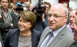 Le maire de Lille, Martine Aubry et Damien Castelain, sans étiquettte, tout juste élu à la présidence de la communauté urbaine de Lille, le 18 avril 2014