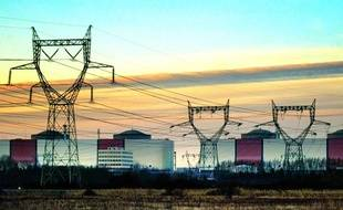 Vue générale de la centrale nucléaire de Gravelines prise le 08 Janvier 2003.