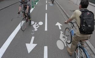 Illustration d'unepiste cyclable. Strasbourg.