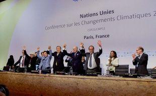 Conclusion de l'accord de Paris, le 12 décembre 2015, lors de la COP21.