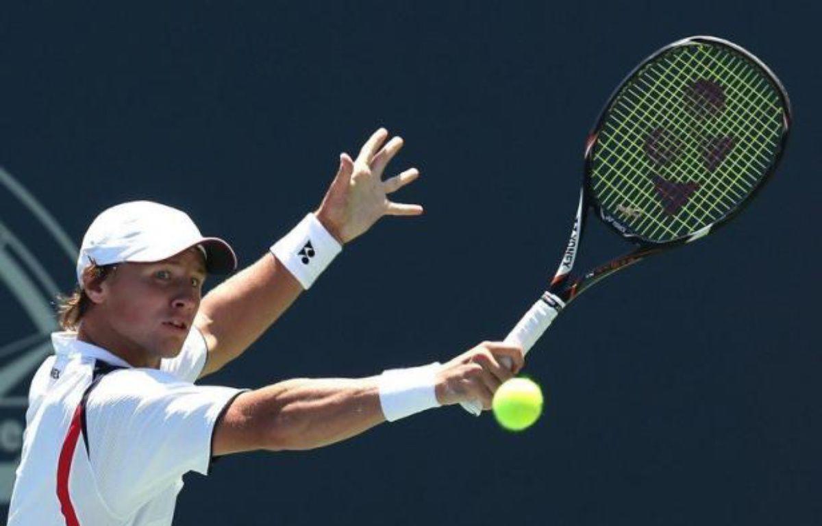 Nicolas Mahut, tête de série numéro 4, a été éliminé vendredi en quarts de finale du tournoi sur dur de Los Angeles par le Lituanien Ricardas Berankis, issu des qualifications, en deux sets 6-4, 6-4 – Stephen Dunn afp.com