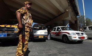 Un militaire en faction à Sanaa, au Yémen.