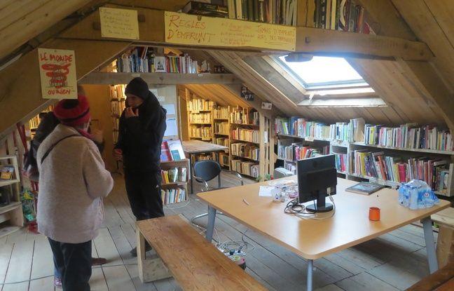 La bibliothèque de la ZAD de Notre-Dame-des-Landes.