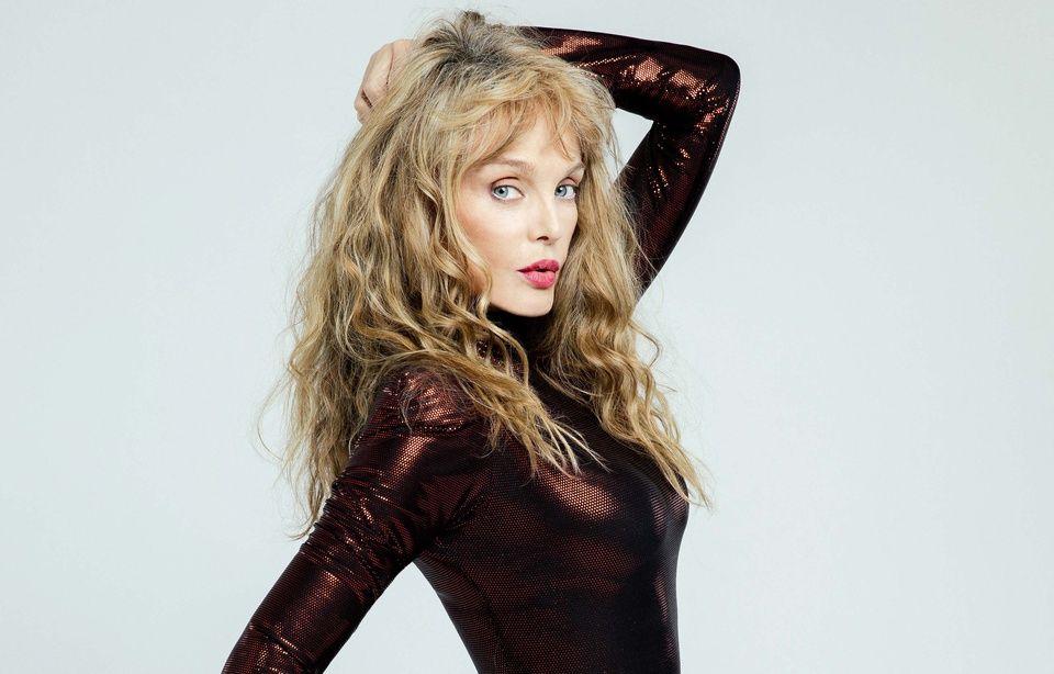Arielle Dombasle dans «DALS», ses proches «accablés» 960x614_arielle-dombasle-candidate-danse-stars-8