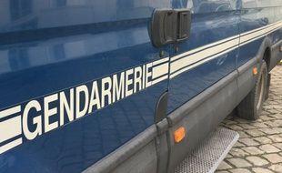 Camion de gendarmerie à Douai (Nord)
