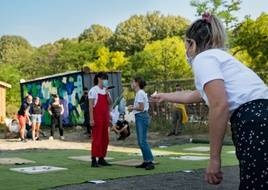 Le palet breton est un jeu très populaire à Rennes et dans tout le département d'Ille-et-Vilaine.