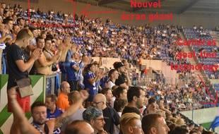 Avec la montée en Ligue 1, le stade de la Meinau est plus ou moins forcé de s'adapter.