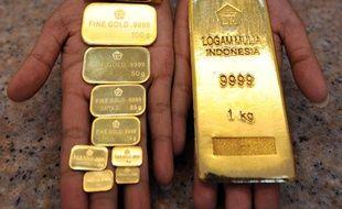 Illustration de différents lingots d'or, le 19 août 2010 à Jakarta (Indonésie).