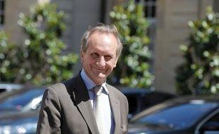 """Gérard Longuet (UMP) a jugé mardi que l'arrêt des commissions sur des ventes d'armes au Pakistan était """"un règlement de comptes"""" de Jacques Chirac contre Edouard Balladur après la présidentielle de 1995, voyant des """"rebonds"""" de cette histoire dans le conflit Sarkozy-Villepin."""