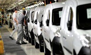 Une ligne de production à l'usine MCA de Maubeuge, filiale de Renault, en 2012
