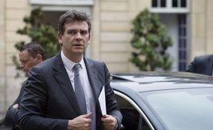 """Le ministre du Redressement productif Arnaud Montebourg veut renforcer la relocalisation en France des productions industrielles, un mouvement encore minoritaire mais jugé prometteur et dont il veut faire """"une cause nationale""""."""