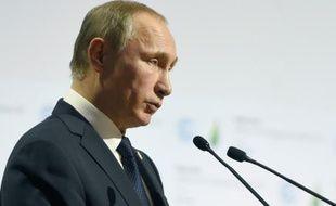 Le président russe Vladimir Poutine au Bourget près de Paris, le 30 novembre 2015