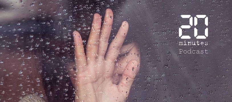 Illustration d'une femme posant la main sur une fenêtre mouillée