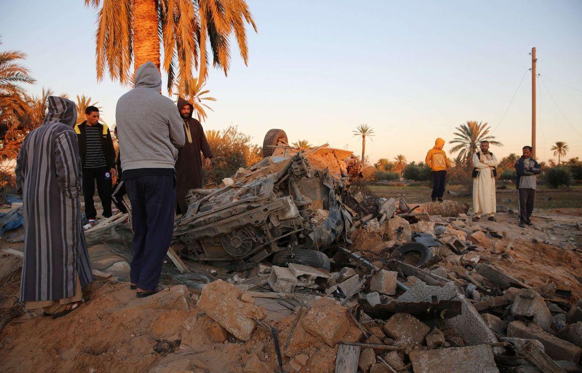 Les décombres après un bombardement américain sur un camp de Daesh, le 19 février 2016 à Sabratha en Libye. – MOHAME BEN KHALIFA/AP/SIPA