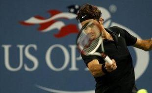 Le Suisse Roger Federer s'est qualifié pour les demi-finales de l'US Open en battant l'Américain Andy Roddick en trois sets 7-6 (7/5), 7-6 (7/4), 6-2, mercredi à New York.En demi-finale, Federer rencontrera le Russe Nikolay Davydenko, contre lequel il n'a jamais perdu en neuf matches.