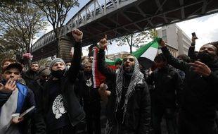 Des manifestants propalestiniens, le samedi 15 mai, à Paris.