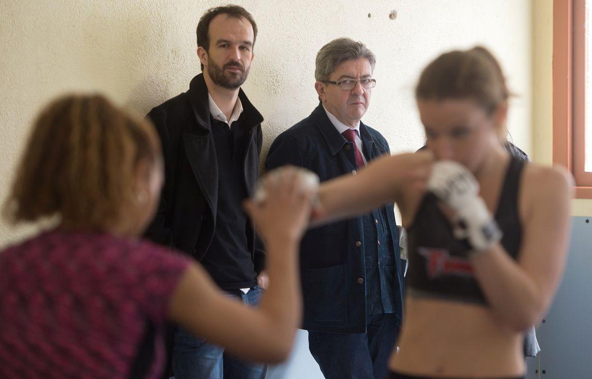 Jean-Luc Mélenchon en visite dans un club de boxe des quartiers nord de Marseille. – B. Langlois / AFP