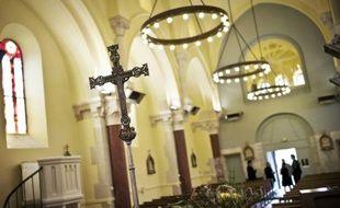 Un octogénaire et sa voisine,  ont été interpellés dans la banlieue de Paris, soupçonnés de s'être unis pour piller plusieurs églises durant des mois